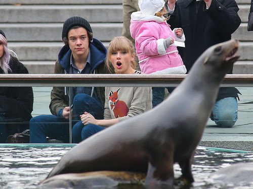 Simon Cowell Forces Harry Styles To Make Friends With Taylor Swift