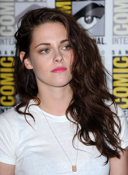 Kristen Stewart Begs Robert Pattinson To Take Her Back