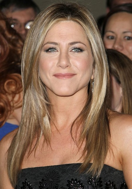 Jennifer Aniston Is Stewing Over The Engagement Of Brad Pitt And Angelina Jolie