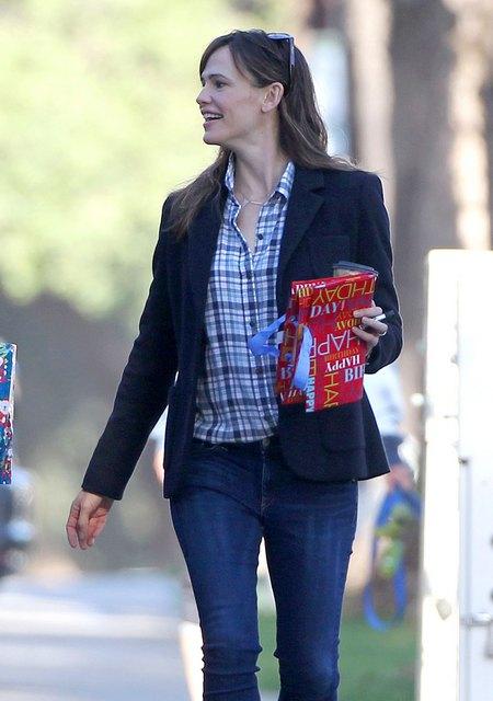 Jennifer Garner Leaves A Birthday Party