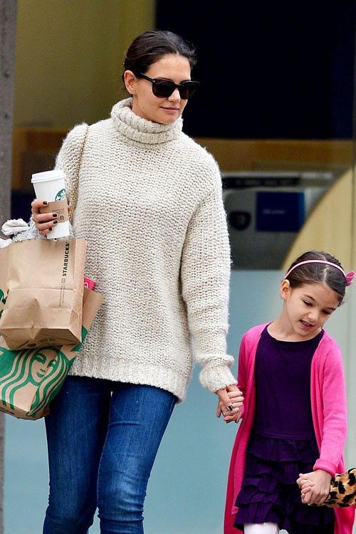 Katie Holmes Devastated By Broadway Flop - Blames Tom Cruise