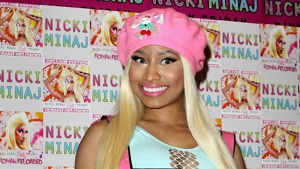 Nicki Minaj - Album Signing