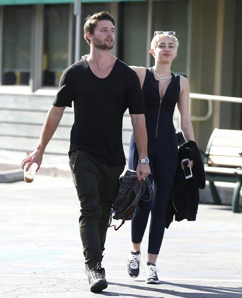 Semi-Exclusive… Miley Cyrus & Patrick Schwarzenegger Stop By Hugo's Tacos