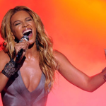 American Idol Finale: Beyonce Debuts '1+1' – VIDEO