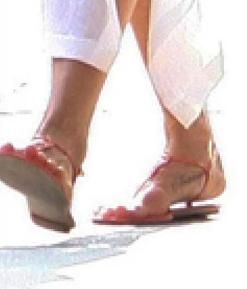 Jennifer Anitson Gets a Foot Tattoo PHOTOS