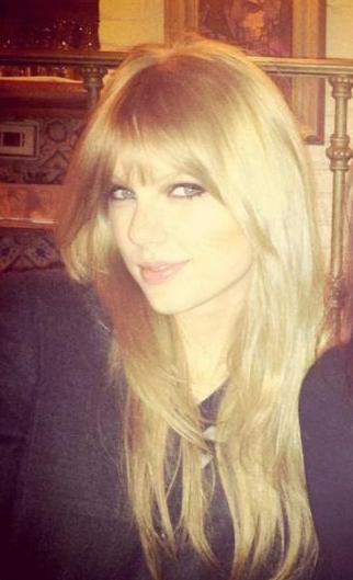 Taylor Swift Haircut Snap