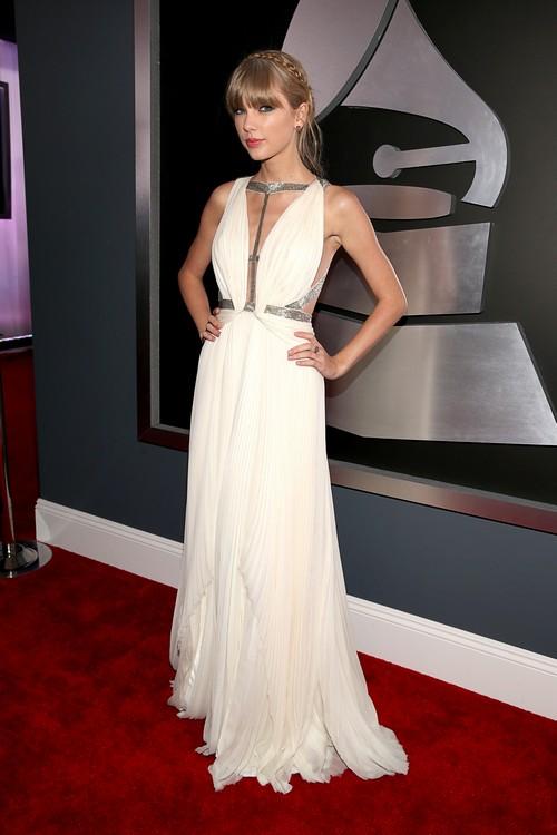 Taylor-swift-2013-Grammy-Awards-Red-Carpet-Arrival