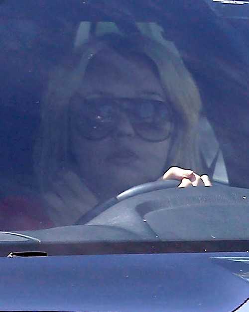 Amanda Bynes Leaving An Art Class With Her Parents