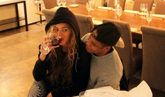 Beyonce Isn't Pregnant; Shares Wine Drinking Photo