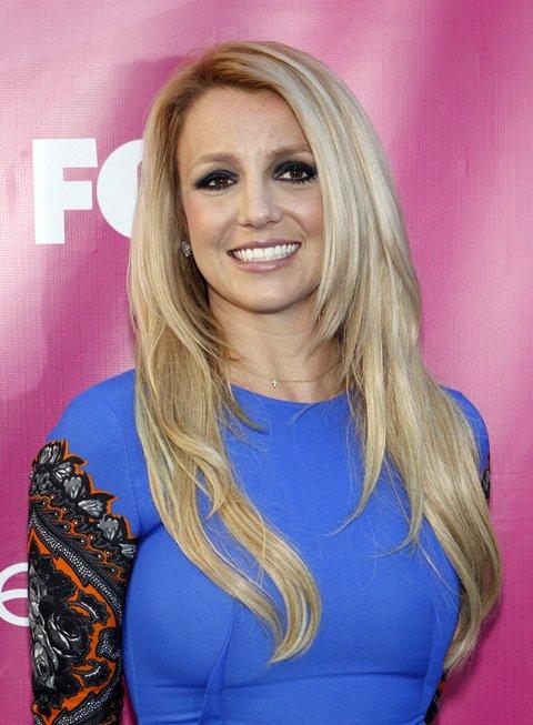 Britney Spears Desperate For Comeback, Writing Tell-All Novel