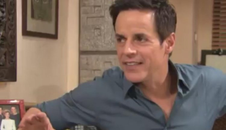 christian-leblanc-is-front-and-center-on-yare-again-image-source-the-young-and-the-restless-youtube_2279647