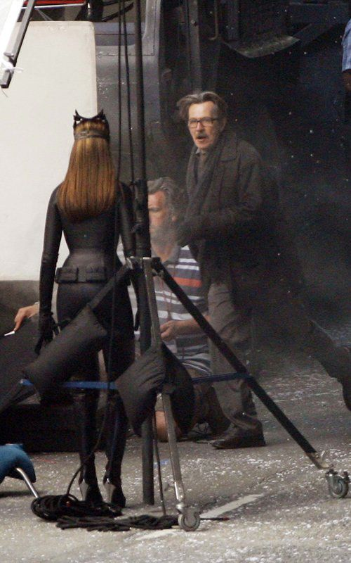 The Dark Knight Rises – Set Photos – Anne Hathaway – Catwoman – 2