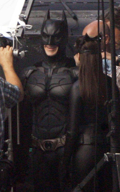 The Dark Knight Rises – Set Photos – Anne Hathaway – Catwoman – 3