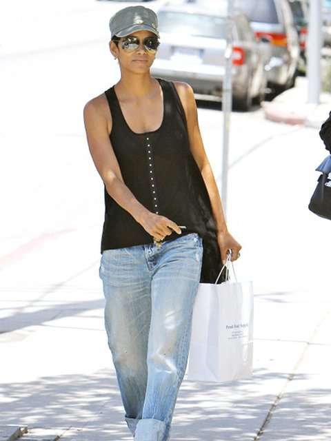 Halle Berry's 4-Year-Old Daughter Nahla Is Desperate For A Baby Sister!