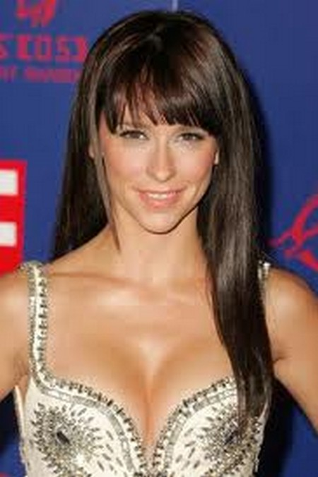 Jennifer Love Hewitt S Double D Breasts Digitally Altered Hollywood Hiccups