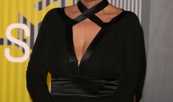 Kris Jenner Officially Changes Last Name To Kardashian: Desperate To Be Like Daughters Kourtney, Kim, And Khloe