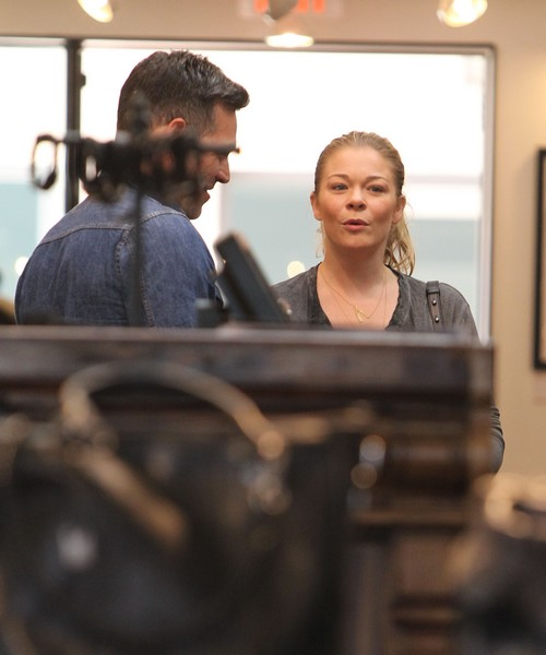 LeAnn Rimes Gets Drunk At Taiwanese Concert After Eddie Cibrian Breakup (VIDEO)